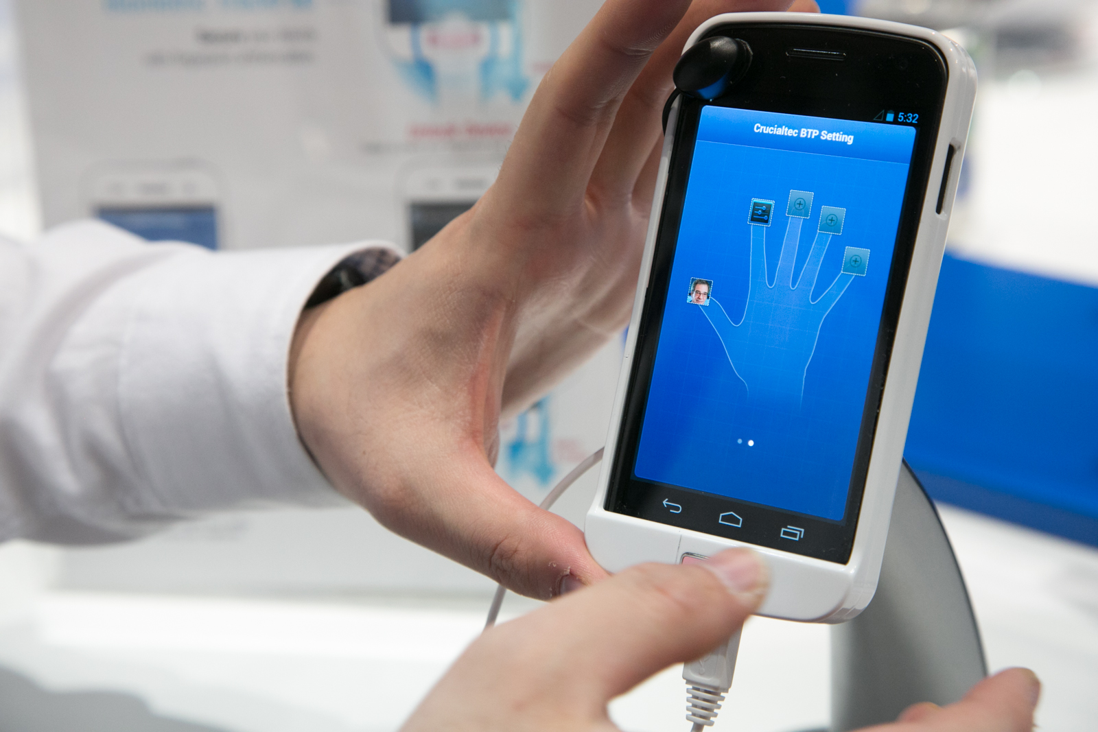 Three Reasons To Have Security On Your Mobile Fingerprint Scanner