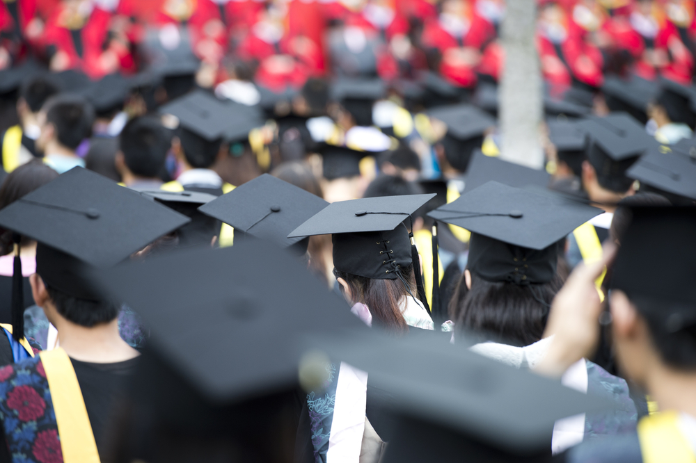 How To Improve Your Employment Prospects While In College