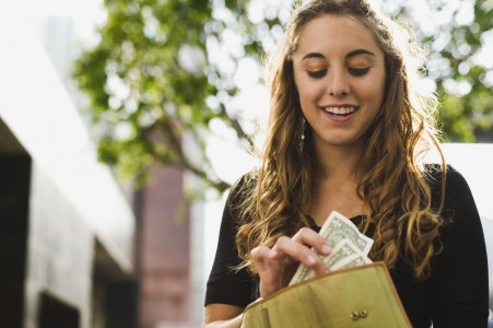 6 Tips For Minimising Living Costs As A Student