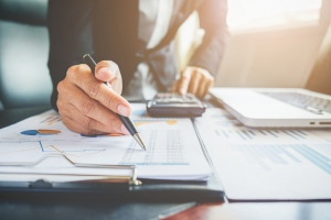 10 Key Benefits to Hire An Outsourcing Accounting Firm